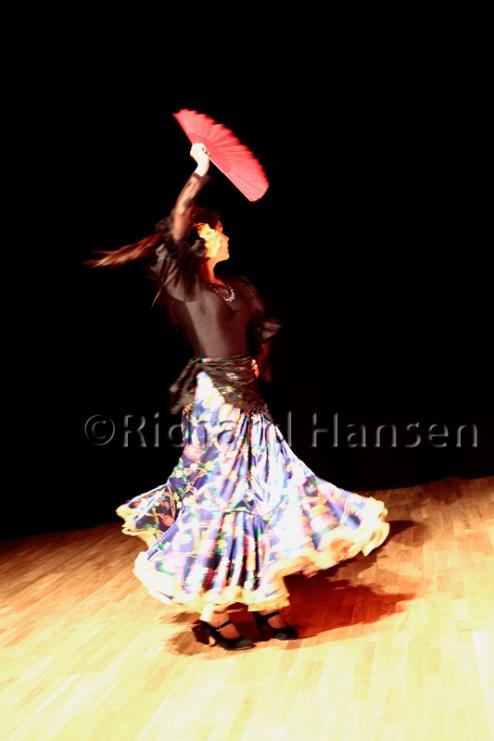 Gloria Riveros and Senter for Internasjonal Dans at Hawk in the Nest 14 - Photo © Richard Hansen