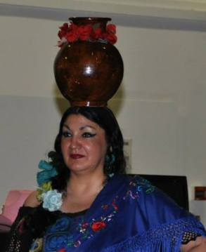 Gloria Riveros og dansere fra Senteret For Internasjonal Dans