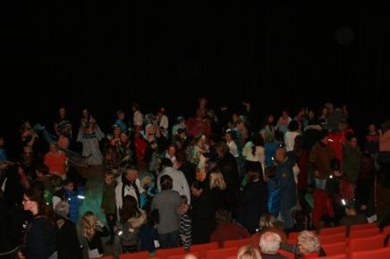 Møljedans på scenen avsluttet kvelden.